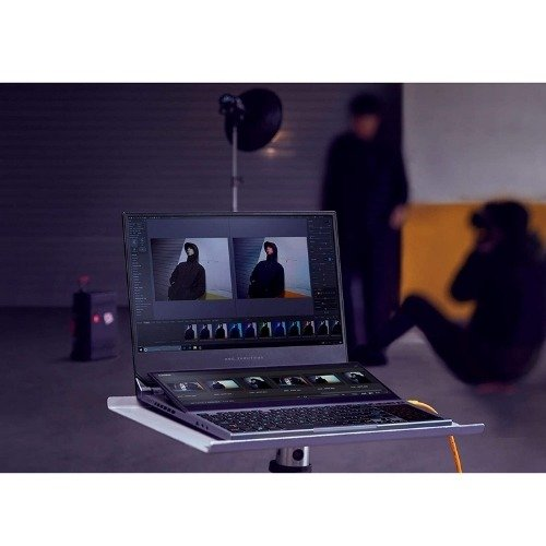 "ASUS ROG Zephyrus Duo Gaming Laptop, 15.6"" UHD 4K Gsync + pantalla secundaria, Core i9-10980HK, NVIDIA GeForce RTX 2080 Super, 32GB DDR4, 2TB RAID 0, Thunderbolt 3, Wi-Fi 6, Win10 Pro, GX550LXS-XS99"